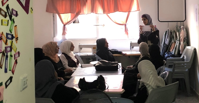 A skills training class held at an Arab Women's Organization centre outside Amman, Jordan. Photo: Adina Wolf/UN Trust Fund.