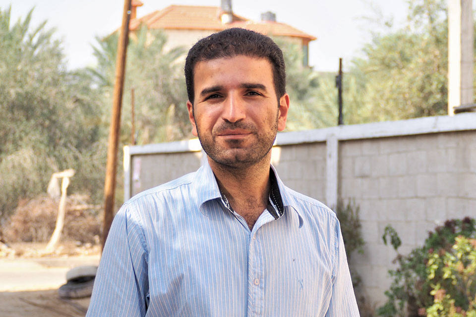 Mossa Abu Taema, one of the 20 first ambassadors of change who persuaded his community members to stop early marriages. Photo: UN Women/Eunjin Jeong