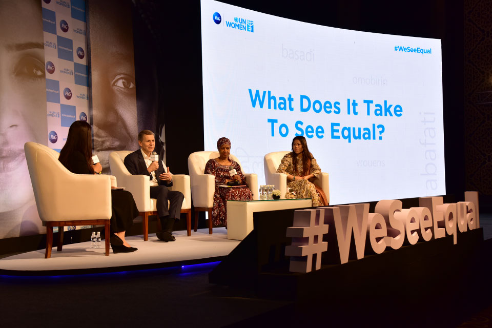 UN Women Executive Director Phumzile Mlambo-Ngcuka, Chief Brand Officer, P&G, Marc Pritchard, Indian Olympic Boxer and 6 time World Amateur Boxing champion, Mary Kom, in a discussion with Shruti Mishra, Anchor, CNBC-TV 18, during a panel on 'What does it take to see equal?' at the #WeSeeEqual Summit, co-hosted by P&G and UN Women in Mumbai. Credits: UN Women/ Sarabjeet Dhillon