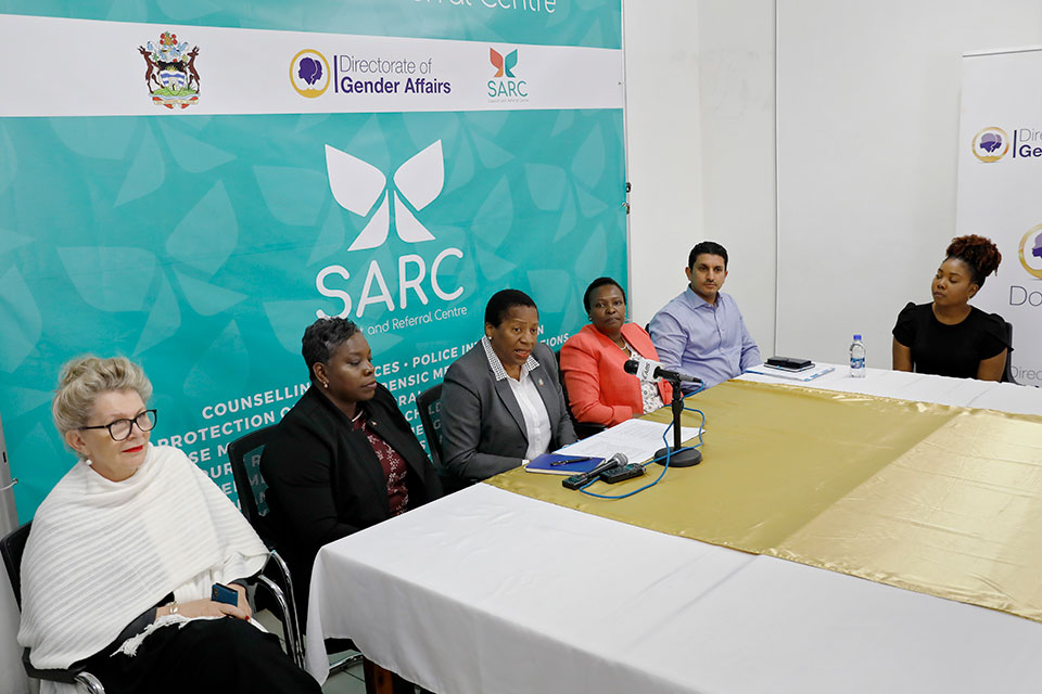 Ambassador Beckeles commends Antigua and Barbuda's government-run one-stop-centre, the Support and Referral Centre (SARC) that provides comprehensive services for survivors of gender-based violence. Photo: UN Women/Ryan Brown
