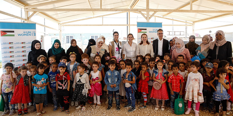 María Fernanda Espinosa Garcés, President UN General Assembly, accompanied by Mr. Ziad Sheikh, UN Women Jordan Representative and Sara Ferrer Olivella, acting UN Resident and Humanitarian Coordinator in Jordan, with the women and girls enrolled in the UN Women Oasis Center for Resilience and Empowerment. Photo: UN Women/Lauren Rooney