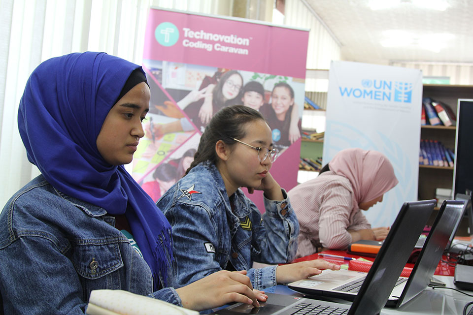 In Osh, Kyrgyzstan, Coding Caravan participants learn and practice coding skills using the programming language Scratch. Photo: Aikanysh Kerimkulova