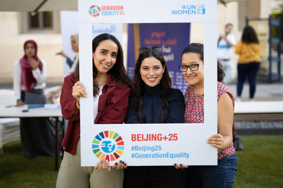 HerStory volunteers and participants of the Digital Inclusion Week 2019 in Cairo, Egypt. Photo: UN Women/ Emad Karim.