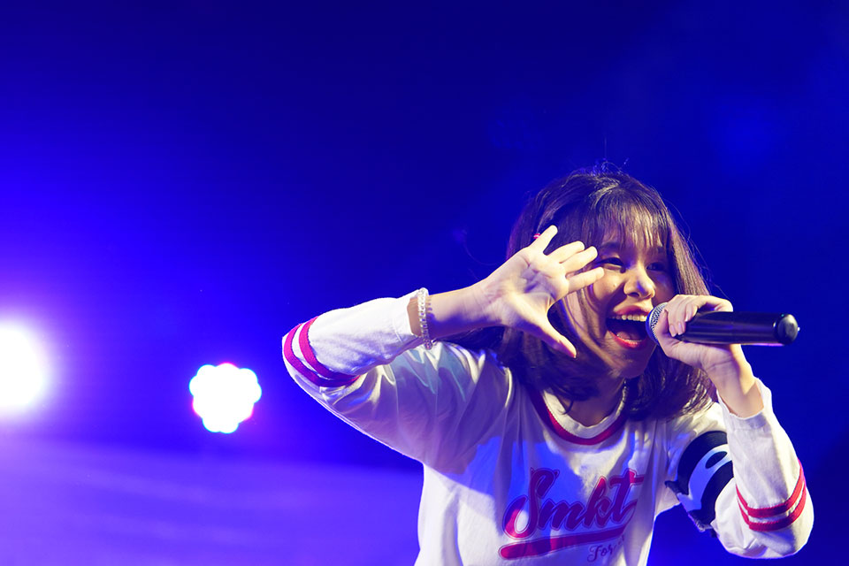 "Naruthai Tansukasem performing during a 2019 reunion concert with her former group ""Siamese Kittenz"". Photo courtesy of Kukufoto"