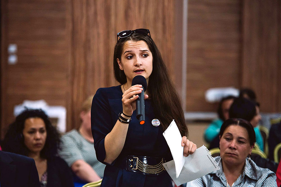 """Laura Bosnea, 28, was elected to the local council in Râșcani City in 2015, as one of the first Roma women councillors in Moldova. Before running, she attended several campaign and leadership trainings provided by UN Women, funded by the Government of Sweden. Photo: UN Programme """"Women in Politics"""""""