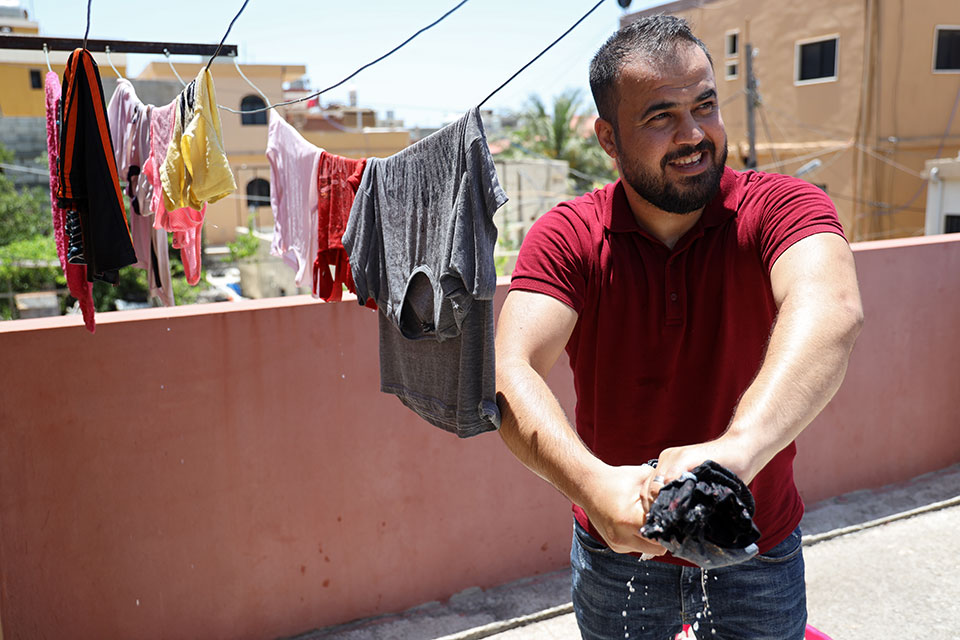Mahmoud became a strong believer in the importance of changing attitudes towards gender norms in his own community. Photo: Ramzi Haidar/Dar Al Mussawir for UN Women