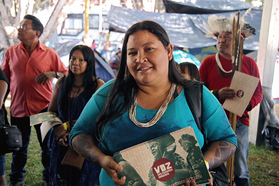 Maria Leonice Tupari, 45, Coordinator of the Association of Indigenous Warriors of Rondônia (AGIR) NGO in Cacoal, Brazil. Pictured in Brasilia in 2018. Photo: ONU Brasil/Tiago Zenero