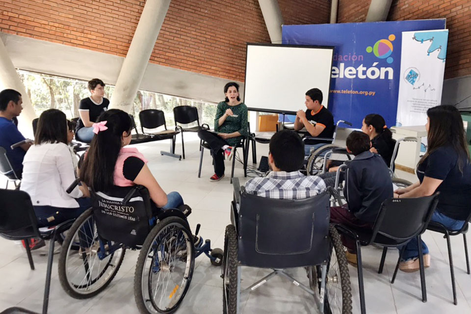Young people with disabilities participate in a CDIA training on the topics of violence, inclusion, rights and protection systems held in August 2019 in Coronel Oviedo, Paraguay. Photo: CDIA/Alana Cano