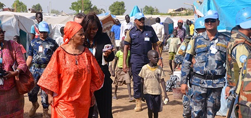 UN Women Executive Director Phumzile Mlambo-Ngcuka visits the Tomping IDP camp in the UNMISS compound in Juba. Photo: UN Women/Christian Mulumba