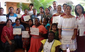 Participants in a training course in political strategy and effective communication for indigenous women candidates at the Instituto Autónomo para la Formación Política de las Mujeres Indígenas, financed by the Government of Spain. (Photo: UN Women.)