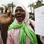 Kenyan woman adovcating for Constitution