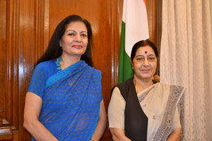 UN Women Deputy Executive Director Lakshmi Puri meets with India's Minister for External Affairs, Ms. Sushma Swaraj. Photo credit: UN Women/Sabrina Sidhu