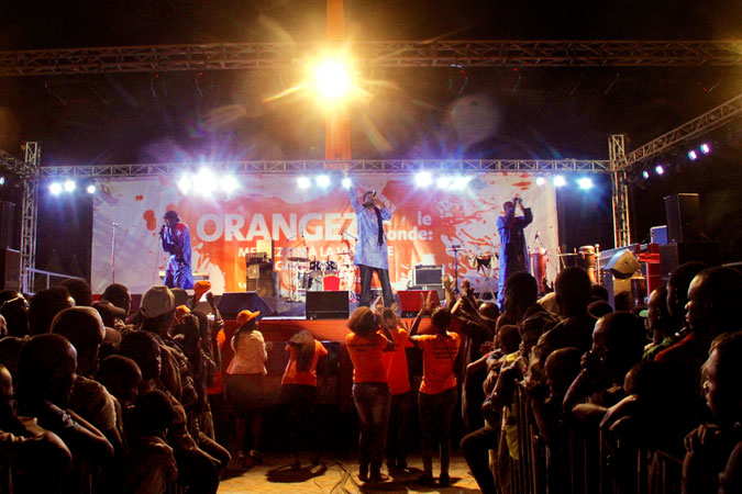 Singers perform during the kick-off of the 16 Days to Activism against Gender-Based Violence in Dakar, Senegal. Photo: UN Women