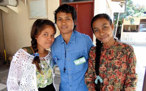 (From left to right) Yane Elfrida Domingas Maia, Juliana de Fatima and Maria Abrantes are among the 30 young girls from Timor-Leste who attended the workshop on advocacy for women's rights. Photo: UN Women/Christina Yiannakis
