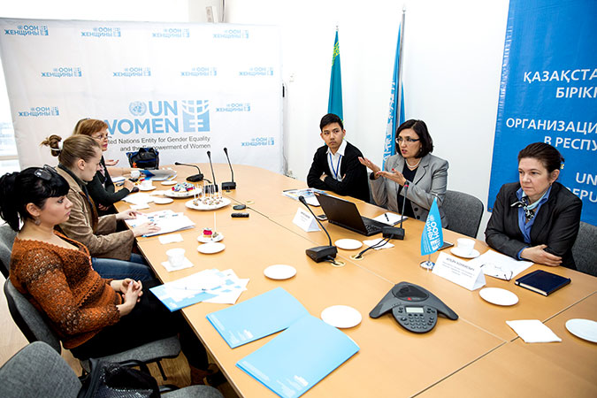 In Kazakhstan, UN women organized a press conference on women and the SDGs. Photo: Andrey Khalin