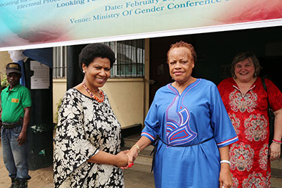 At the Ministry of Gender, Children and Social Welfare, UN Women Executive Director Phumzile Mlambo-Ngcuka was warmly welcomed by Minister Julia Duncan Cassell. Photo: UN Women/Stephanie Raison
