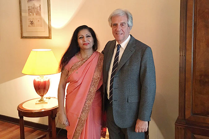 Lakshmi Puri, UN Women Deputy Executive Director, meets President of Uruguay, Tobaré Vázquez upon her arrival in Montevideo for the XIII Regional Conference on Women in Latin America and the Caribbean. Photo: UN Women
