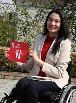 Muniba Mazari, Pakistan's National Ambassador for UN Women calls for women and men alike to support Sustainable Development Goal 5. Photo: UN Women/Atif Mansoor Khan