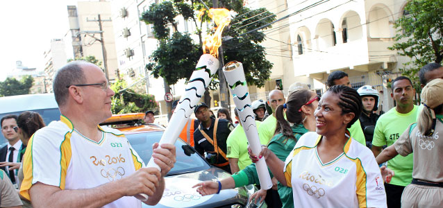UN Women Executive Director received the Olympic Flame from Prince Albert of Monaco and carried it through the streets of Rio de Janeiro, celebrating women
