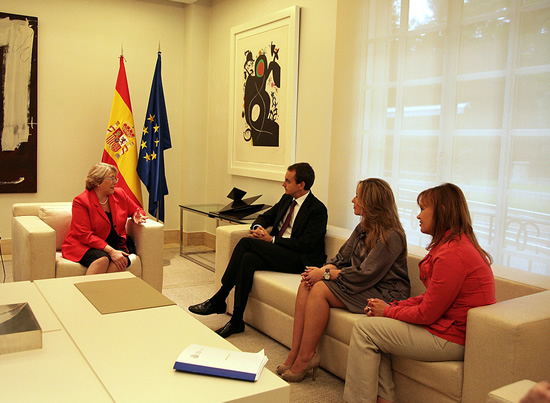 UN Women Executive Director Michelle Bachelet meets with Prime Minister José Luis Rodriguez Zapatero, in which participants included Trinidad Jiménez, Minister of Foreign Affairs and Cooperation, and Leire Pajín Iraola, Minister of Health, Social Policy and Equality. Madrid, 30 May 2011.