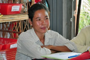 Mom Ra, a Cambodian woman living with HIV, found promise and a sense of solidarity when she received a grant and training to help her start a small business. (Photo: UN Women/Debora Zamd.)